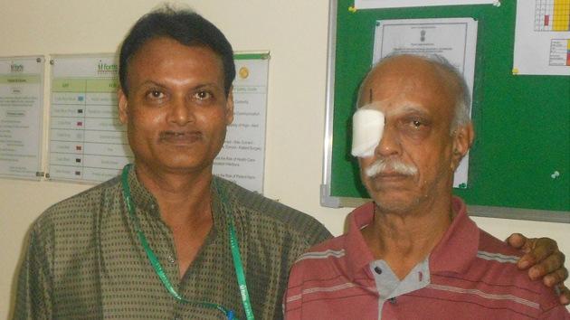 Extirpado un gusano del ojo de un hombre indio