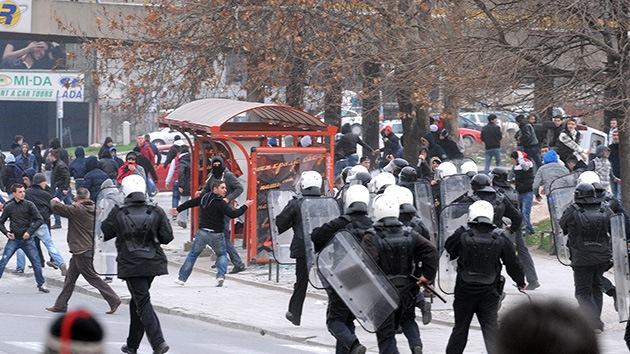 Fotos: Enfrentamientos con la Policía en Macedonia dejan decenas heridos