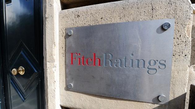 Fitch amenaza con retirar la máxima nota AAA a EE.UU.