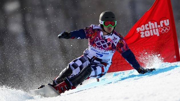 El snowboardista ruso Vic Wild gana la medalla de oro en el eslalon gigante paralelo