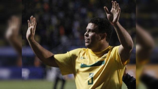 Ronaldo cuelga los botines como uno de los delanteros más grandes de todos los tiempos
