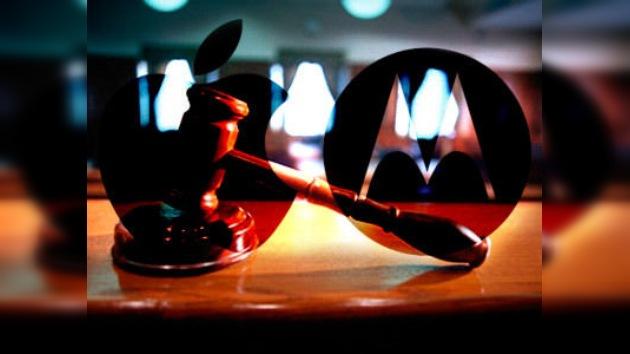 Motorola se apunta un tanto frente a Apple en la guerra de patentes