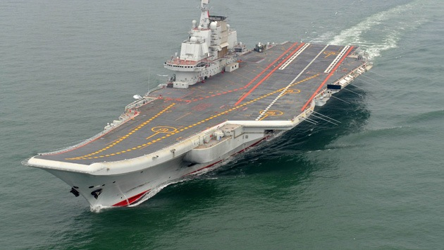China prueba su primer portaaviones en ejercicios en alta mar por primera vez