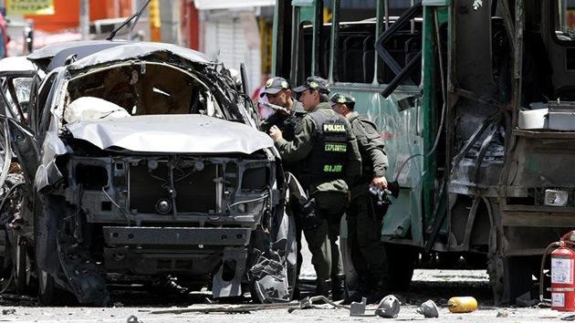 Una bomba explota en un autobús de pasajeros en Bogotá
