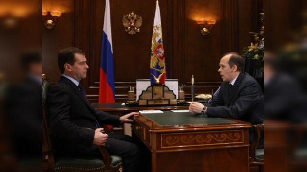 Medvédev: las medidas contra los extremistas deben prolongarse