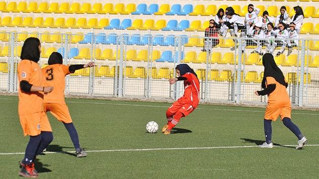 Echa a rodar la primera liga de fútbol femenino en Afganistán