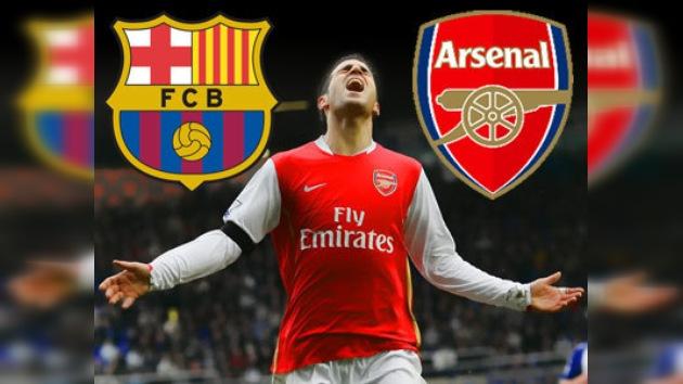 El Barça sigue luchando con el Arsenal por Cesc Fábregas