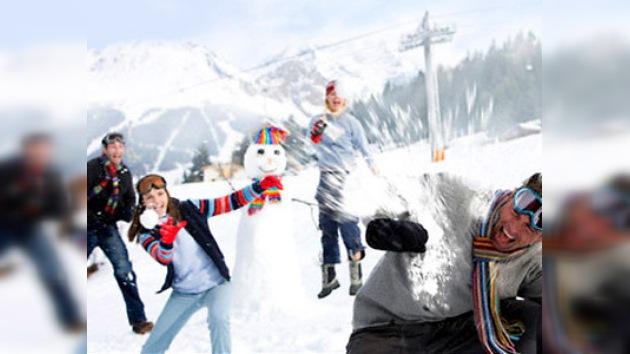 Lanzarse bolas de nieve podría ayudar a dejar de beber