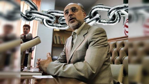 Teherán prohíbe la entrada de dos inspectores del OIEA