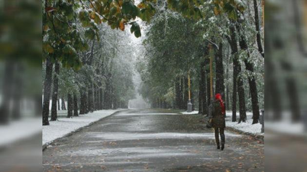 Moscú pasa del calor a un verdadero frío invernal en unos días