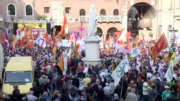 Italia: Cientos de residentes de Verona celebran una marcha por la independencia