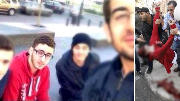 Un adolescente es fotografiado instantes antes de morir en un atentado