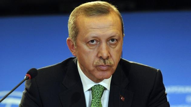 Turquía deporta a un periodista crítico por escribir tuits ofensivos contra el Gobierno