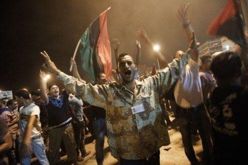 Trípoli celebra la entrada de las fuerzas de oposición