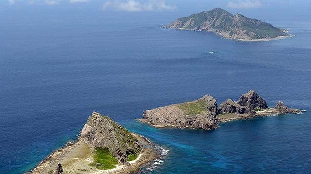 Tres barcos patrulleros de China entran en aguas en disputa con Japón