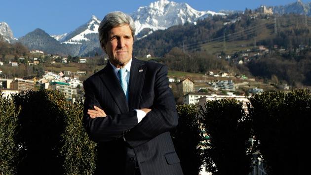 """Kerry: """"EE.UU. considera todas las opciones para resolver el conflicto sirio, incluso la militar"""""""