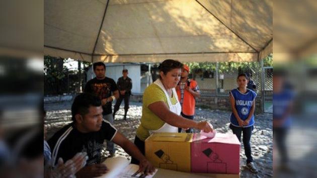 El Gobierno salvadoreño puesto a prueba en las elecciones legislativas y municipales