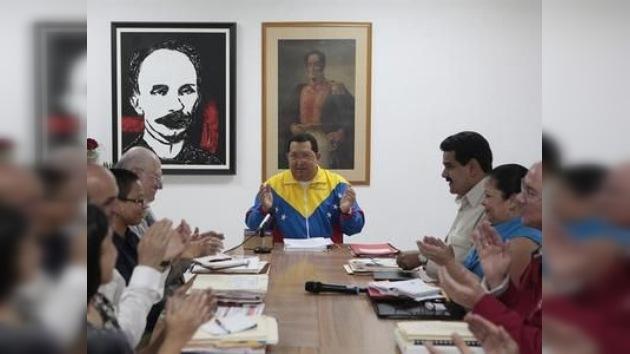 El partido de Chávez confirma su candidatura y desmiente divisiones internas
