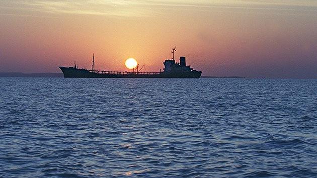 Irán ofrece el envío gratuito de crudo a la India para luchar contra las sanciones occidentales
