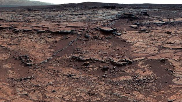 Científicos tratan de desvelar el origen de la enigmática roca fotografiada en Marte