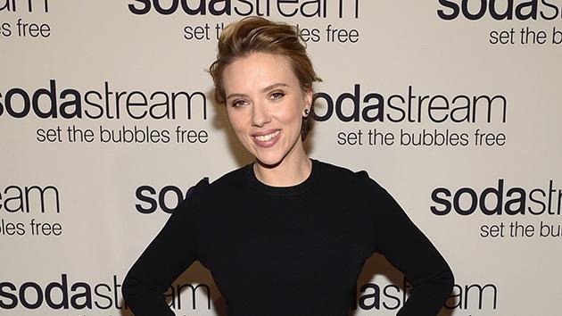 La polémica publicidad de Scarlett Johansson se vuelve viral por el conflicto en Cisjordania