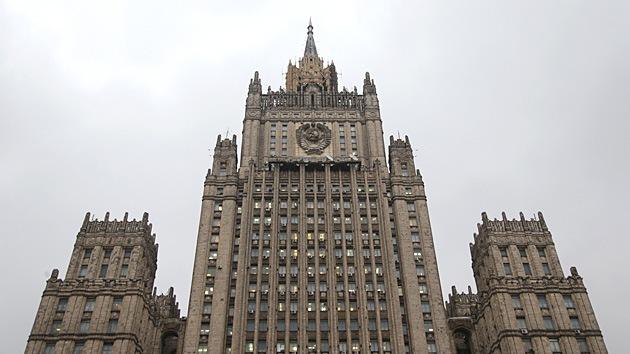 Rusia sanciona a 13 altos funcionarios de Canadá