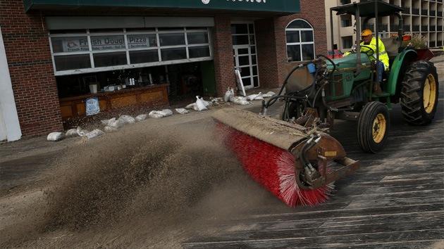 Estragos de Sandy: millones de litros de aguas residuales contaminan un río