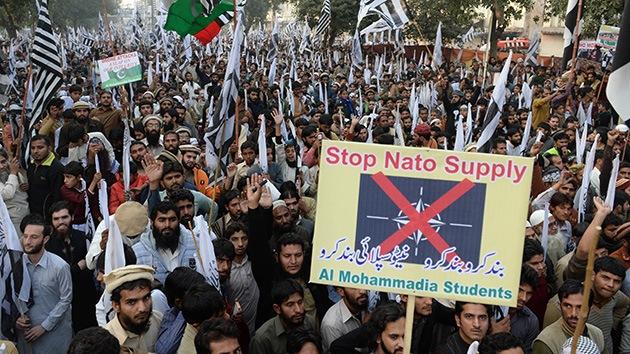 Los pakistaníes salen a la calle para protestar contra los drones de EE.UU.