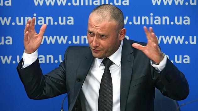 Extremistas ucranianos demandan armar a todo el pueblo leal al nuevo Gobierno