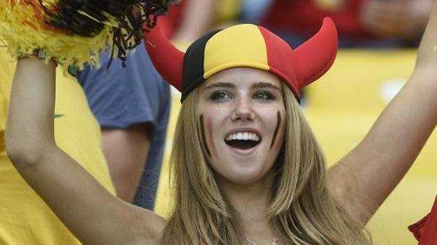 Fotos: La hincha más guapa de Mundial 2014 reaparece después de ser despedida por L'Oréal
