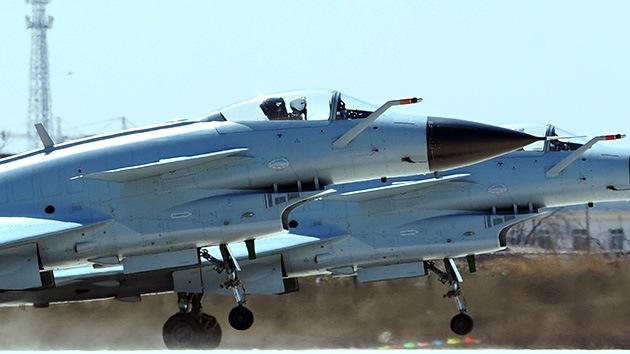 China crea una zona de defensa aérea sobre el área de las islas en disputa con Japón