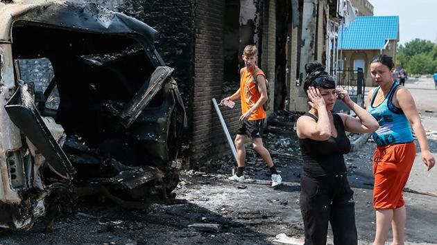 Video: Desastres provocados por los bombardeos del Ejército ucraniano en el este