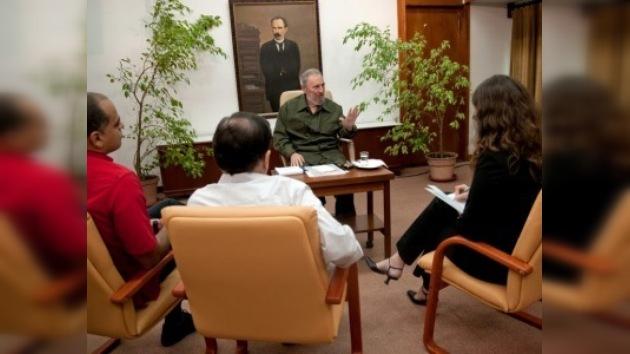 Periodistas venezolanos se encuentran con Fidel Castro