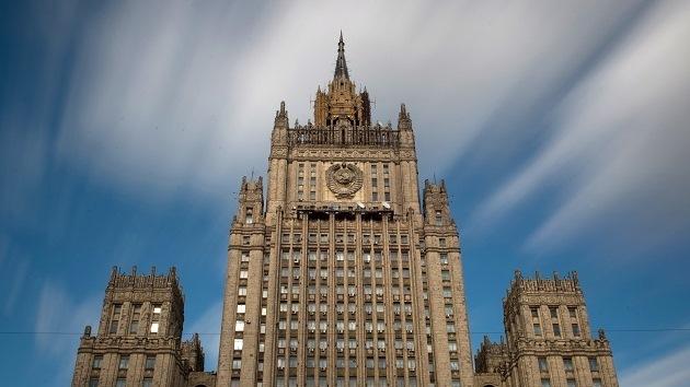 """Cancillería rusa: """"Intentos de acusar a Moscú por el convoy humanitario son insostenibles"""""""