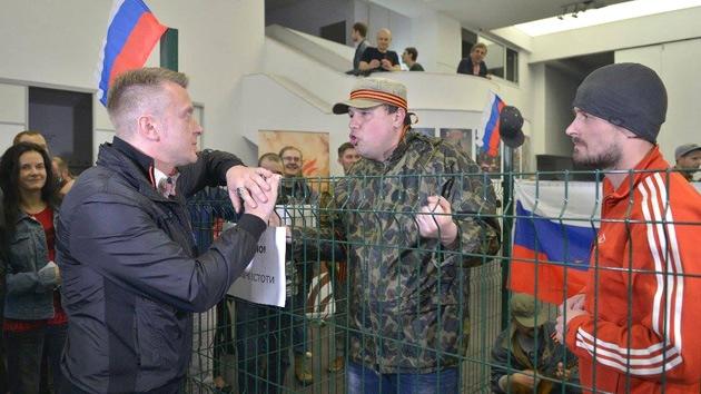 Arte propagandista nacionalista en Kiev: ¡Cuidado! ¡Rusos!
