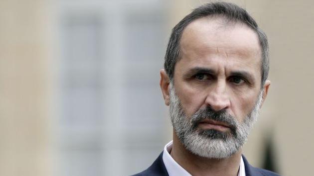 Dimite el líder de la oposición siria