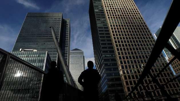 Una ola de inexplicables suicidios estremece al mundo financiero