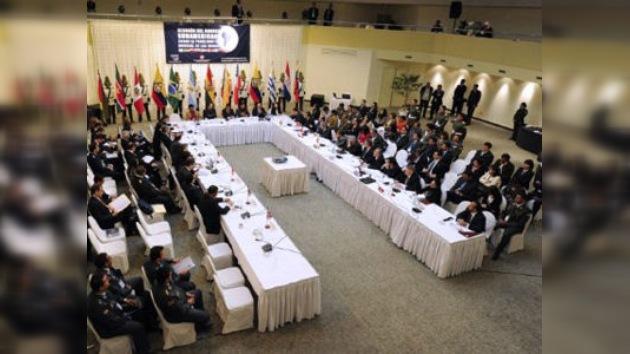 'EE. UU. usa la lucha contra narcotráfico para intervenir en la política de Latinoamérica'