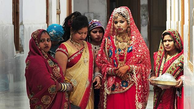 Político indio: Las víctimas de violación deben ser ahorcadas