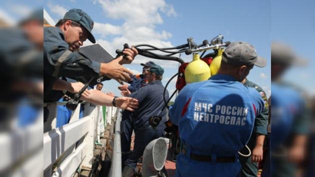 Los buzos descubrieron decenas de cadáveres de niños dentro de la nave siniestrada