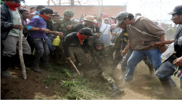 El Gobierno colombiano deberá desalojar una base militar de territorio indígena