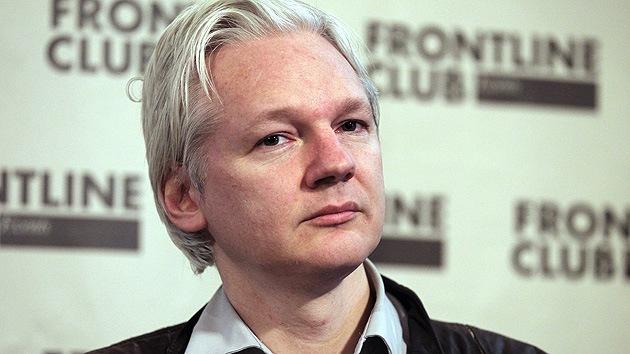 Un tribunal de Estocolmo confirma la orden de arresto contra Julian Assange