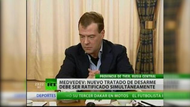 Medvédev destaca la importancia de la ratificación simultánea del START
