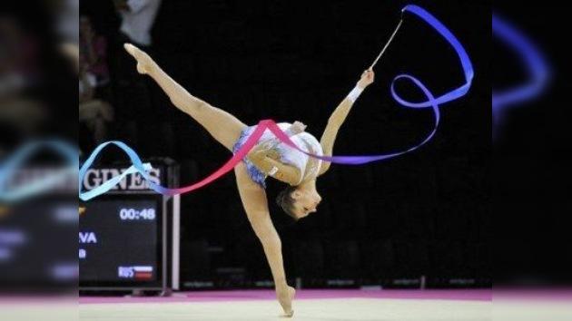 Kanáyeva, a un paso de 'hacerse completamente de  oro' en el Mundial de Gimnasia Rítmica