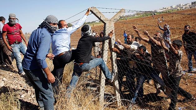 ¿Caballo de Troya islamista?: Terroristas del EI podrían llegar a Europa como refugiados