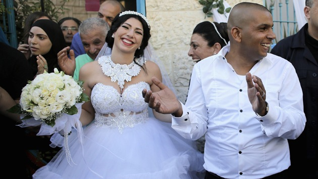 Una protesta ultraderechista intenta reventar una boda entre judía y musulmán en Israel