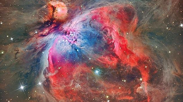 Capta la deslumbrante imagen de una nebulosa de Orion desde su jardín
