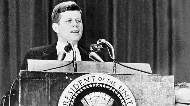 Una nueva teoría apunta a quién le convenía más la muerte de Kennedy
