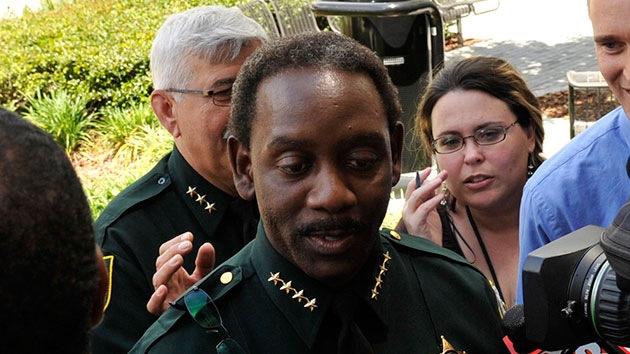 Policía de Florida balea a un afroamericano desarmado que rogaba que no lo matara