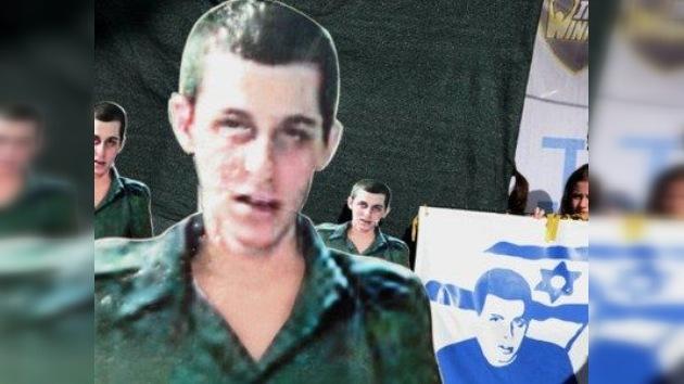 El soldado israelí cautivo de Hamas espera su destino
